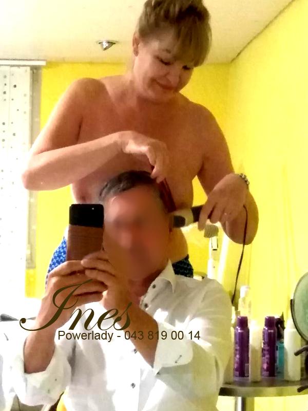Ines - die nackte Friseurin
